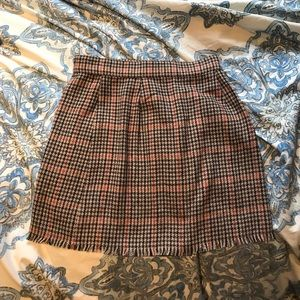 Urban Outfitters Skirts - Urban Outfitters Teryn Houndstooth Fray Wrap Skirt
